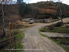 subida al monte Seixo y ermita Santa Mariña desde la aldea A Cima de Vila