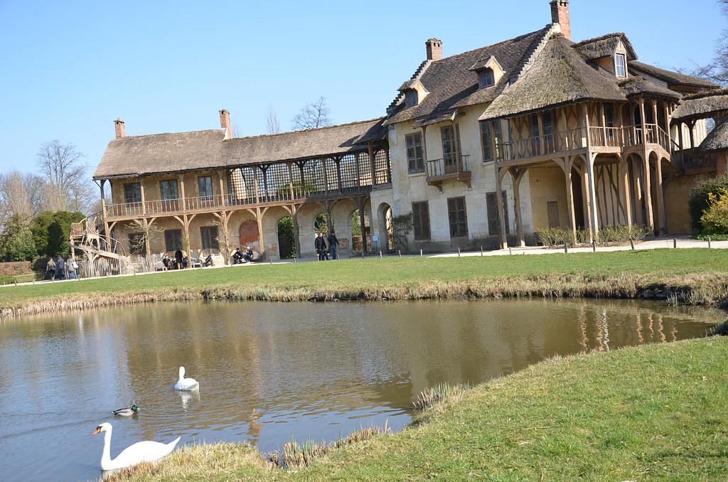 La maison de la Reine & La Salle du Billard