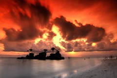 Boracay Cross Sunset (maciej.ka) Tags: ocean sunset white beach palms sand asia paradise cross philippines union dream beachlife insel western tropic boracay isle daydream tropics visayas malay philipines equator paradiseisland pilipinas palay isola sueno le whitebeach aklan traum blueocean amazingsunset songe desiderio dreambeach insula thevisayas malayaklan beatifulsunset strikingsunset aklanphilipines boracayphilipines