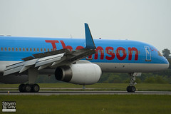 G-CPEV - 29943 - Thomson Airways - Boeing 757-236 - Luton - 100518 - Steven Gray - IMG_2209