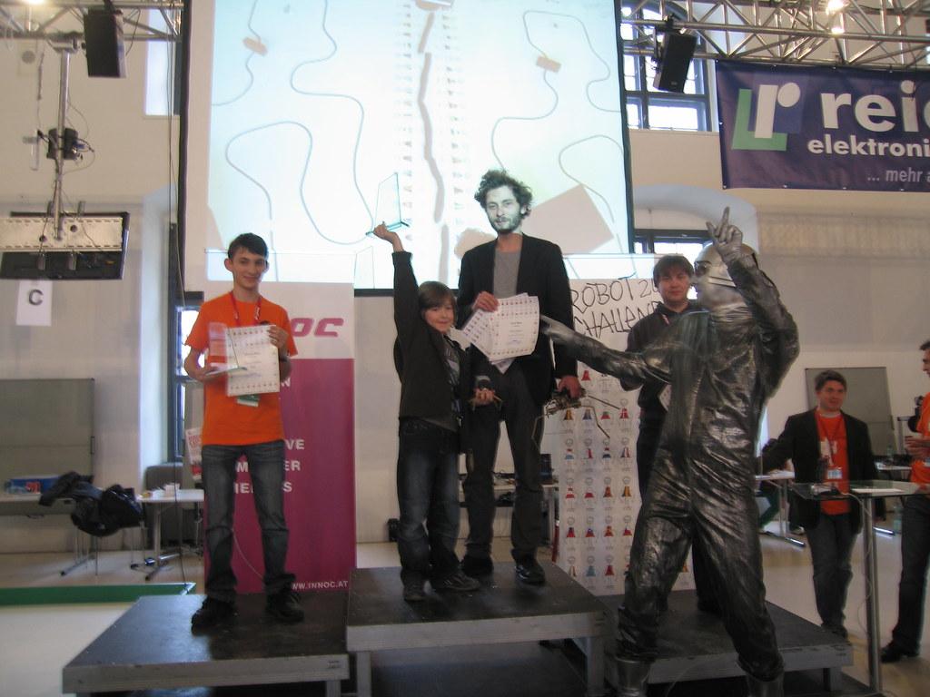 supervivo @ Robotchallenge 2011
