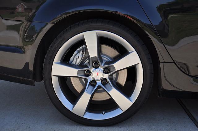 how to change brakes on pontiac g8