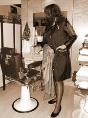 5502352610_6e9f467e3d_b (Manuela60uk) Tags: blouse apron barber satin crossdresser nylon overall bluse friseur kittel schrze