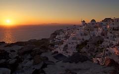 Οία Sunset (Jeff Stys) Tags: sunset windmill architecture zeiss greek nikon aegean windmills santorini greece oia cyclades thira carlzeiss aegeansea d700 zf2 nikond700 οία distagont2821