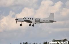 DSC_0865 (damienfournier18) Tags: aroport aroportdenevers lfqg nevers avion aiation aronefs parachutiste dr400