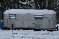 The Twinkie (Sal E. Mander) Tags: snow twinkie camper avion