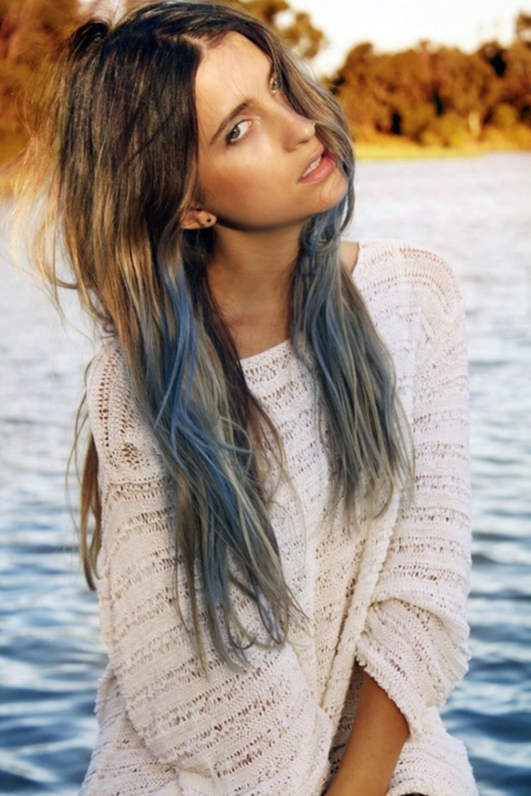 blue dyed hair tips