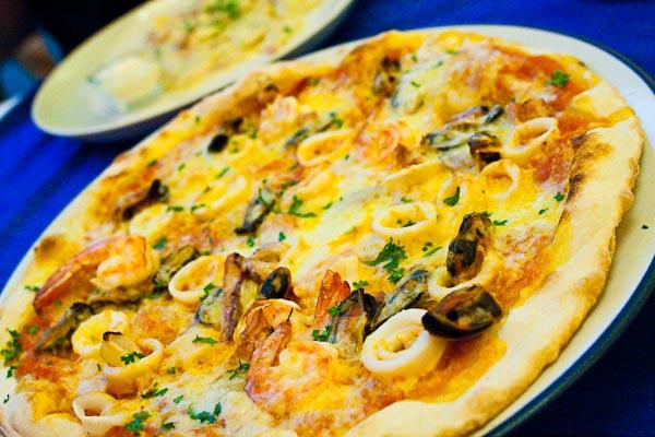 Fruitti di Mare (Seafood Pizza)