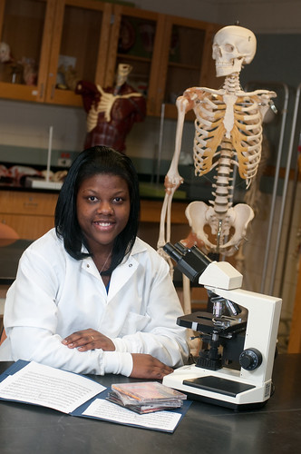 Sudie Robinson '12 in the lab. Photo by Allison Usavage.