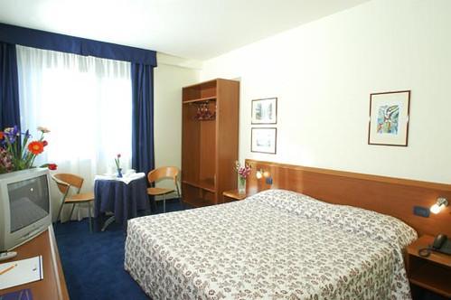 Blu Hotel Roma - rooms