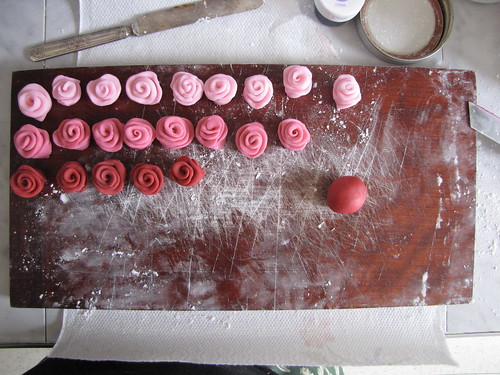 fondant roses lined up