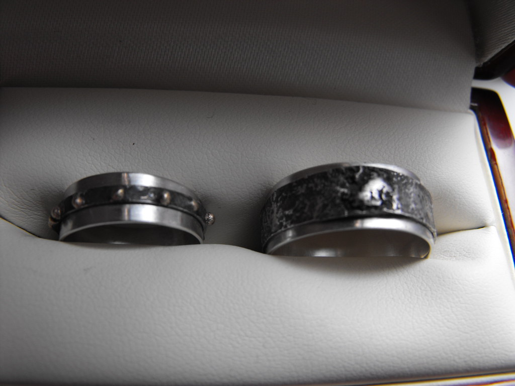silver reticulated band rings