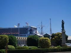 Queen Mary II arrives in Fremantle (Figgles1) Tags: ocean 2 ship ships mary queen queenmary ii qm2 westernaustralia liner queenmaryii oceanliner leeuwin qmii leeuwinii qeenmary2 p2170625