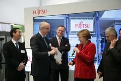 023_CeBIT_Fujitsu_Blog_Merkel_-20110301-100853-3 (Fujitsu_DE) Tags: cebit halle2 erstertag cebit2011 cebit11