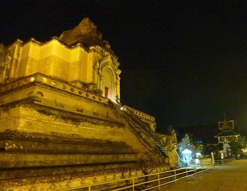 Chiang Mai 11-Wat Chedi Luang (20)