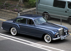 Bentley | S3 | Continental | Flying Spur | H.J. Mulliner | XX 1968 | Admiralty | Hong Kong | China (Christian Junker | PHOTOGRAPHY) Tags: auto china car canon hongkong eos classiccar vintagecar automobile asia exotic 7d oldtimer panning s3 supercar limousine bentley sar hongkongisland admiralty licenceplate lightblue luxurycar britishcar carspotting hongkongphotos salooncar whitewheels 18135mm continentalflyingspur worldcars bentleys3 hjmulliner bentleys3continentalflyingspur xx1968 s3continentalflyingspur bentleys3continentalflyingspurhjmulliner
