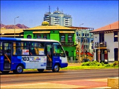 Antofagasta Barrio Histórico Microbús en Desenfoque (Victorddt) Tags: chile photoshop micro sonycybershot antofagasta topazadjust