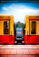 Will they ever get married? (Tafelzwerk) Tags: berlin 35mm germany wagon deutschland nikon 480 sbahn bahn marry ostkreuz waggon d3000 nikond3000 afs3518gdx tafelzwerk tafelzwerkde innercitytrainsystem
