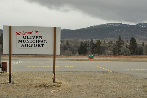 Oliver Airport