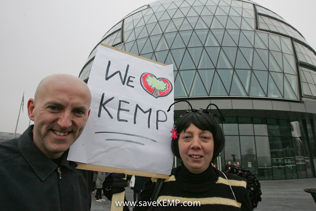 Comedian Lee Hurst and SaveKEMP bee Rosie in front of the General London Authority building after handing in a petition against Thames Water's proposals for King Edward Memorial Park. WED 16 MARCH 201