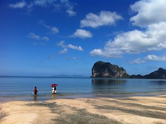 Pak Meng Beach (radioink) Tags: trip family holiday beach lunch thailand pakmeng trang