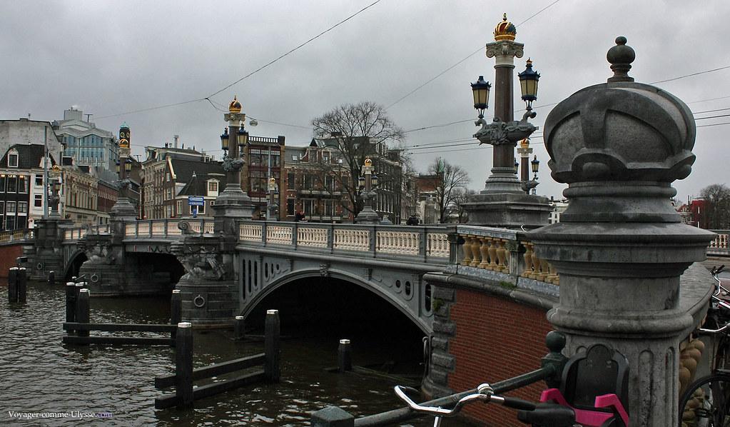 Le Pont Bleu, Blauwbrug