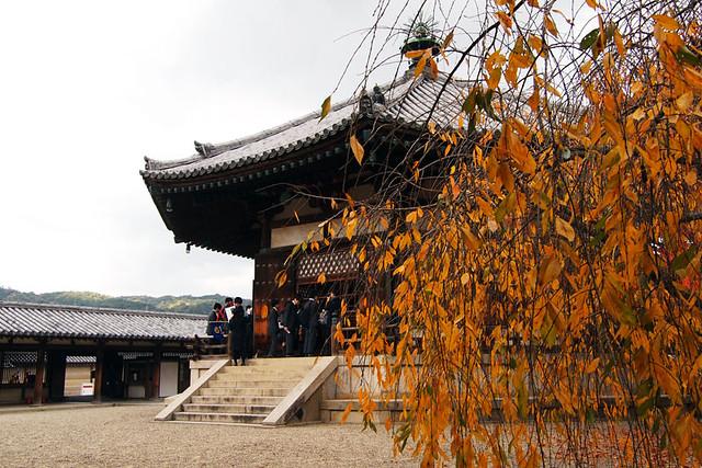 20101118_112244_法隆寺_夢殿(国宝)