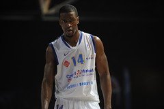 Kenny Younger (poitiersbasket86) Tags: basket pb match domicile kenny 86 younger poitiers lnb villeurbanne proa arnes pb86