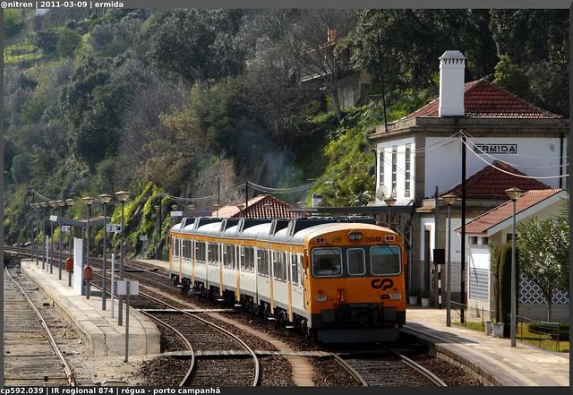 Série 592 (ex-RENFE) - Página 2 5553821676_e2cc4f6d8e_z_d