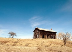 Homestead (ICT_photo) Tags: house ontario abandoned rural farm 400 homestead derelict barrie ictphoto gettyimagescanada ianthomasguelphontario
