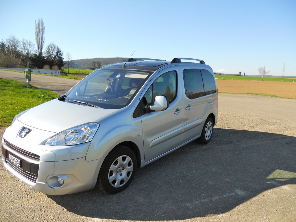 2008 Peugeot Partner Teepee, 46,000km, Price CHF 14,900 (Excellent condition)