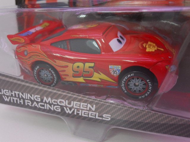 disney cars 2  lightning mcqueen with racing wheels (4)