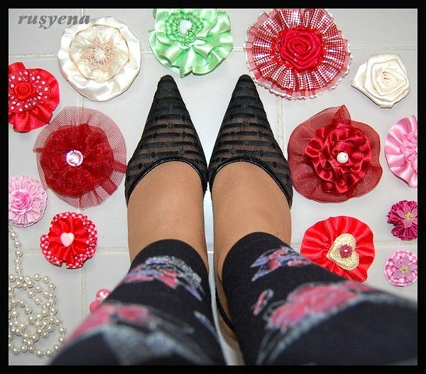feetfirst with flower bows1