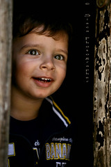 Amor (Siscafoto) Tags: life portrait cute love colors kid eyes child retrato details niños emotions mylove samuele emozioni miofiglio ritrattidiof niñosydetalles