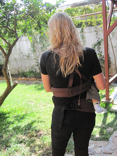 5390536108 2b784f4601 Travel Expertas Pick of the Week   ERGObabys Organic Twill Dark Chocolate Baby Carrier