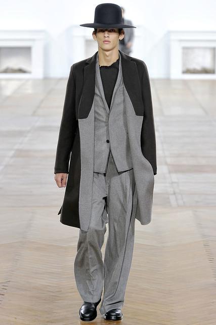FW11_Paris_Dior Homme003(VOGUEcom)