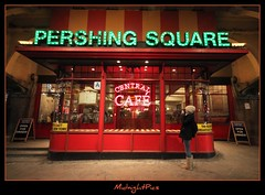 NYC (MidnightPics) Tags: nyc newyorkcity winter ny cold canon rebel freezing grandcentral pershingsquare newyorknewyork pershing 42nd 42ndstreet centralcafe sigma1020mm 2011 omot perfectphotographer tlcphotography redisforlove t1i midnightpics