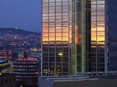 Oslo Plaza Hotel at Sunset, Oslo, Norway - Day 30/365 (trondjs) Tags: city windows winter red oneaday oslo norway canon reflections hotel raw cityscape dusk blu radisson photoaday pictureaday g11 osloplaza 2011 project365 trondjs project36530 canonpowershotg11 project36530jan11 project365013011