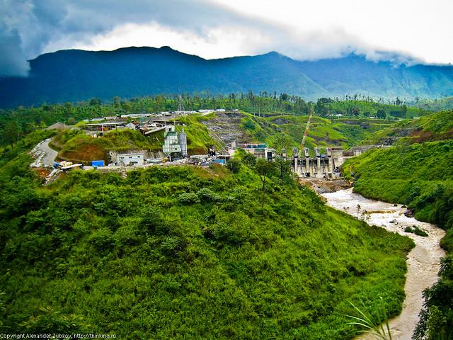 Строительство гидроэлектростанции