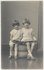 Author Elizabeth Jolley and (younger) sister Madelaine Winifred reading, ca. 1927 (State Library of New South Wales collection) Tags: english girl reading sister author bobbysox bobbedhair