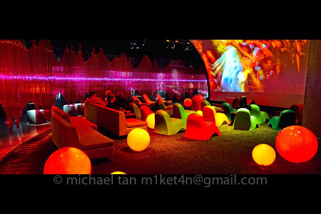 IMAGE: http://farm6.static.flickr.com/5178/5440249261_98b7946a77_b.jpg