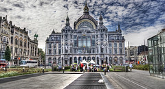"Antwerpen Centraal • <a style=""font-size:0.8em;"" href=""http://www.flickr.com/photos/45090765@N05/5456592568/"" target=""_blank"">View on Flickr</a>"