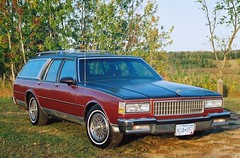 1989 Chevy Caprice Classic Estate (DVS1mn) Tags: red two classic cars chevrolet car station wagon buick gm estate bowtie chevy 1989 tone mycar stationwagon 89 caprice generalmotors estatewagon capriceclassic estatecar 4door chevies shootingbrake longroof