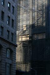 piel triste (www.jlosada.com and @jorge_losada on Instagram) Tags: new nyc blue light usa newyork architecture arquitectura stair scaffolding sad skin andamio escalera triste filter change scaffold nueva muda piel filtro andamiaje jorgelosada