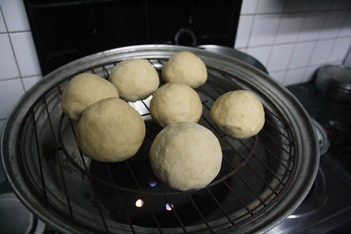 City Food – Julia Child Cooks Litti Chokha in Mayur Vihar