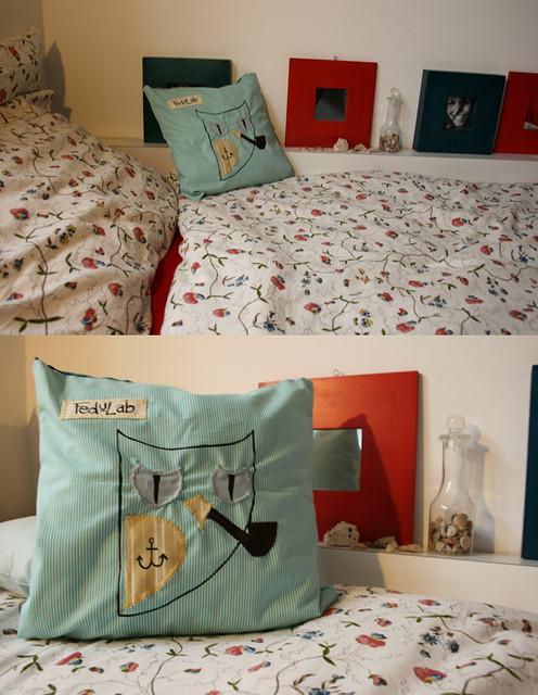 Classy sailor owls smoke pipes [Pillow]