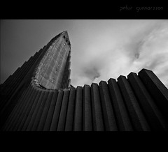The War of the Church (Ptur Gunn Photograpphy) Tags: old trip travel white black building church monument zeiss iceland view sony great picture tourist full carl frame 16 alpha 35 reykjavk sland hallgrmskirkja 850 kirkja 1635 religeon hallgrmur