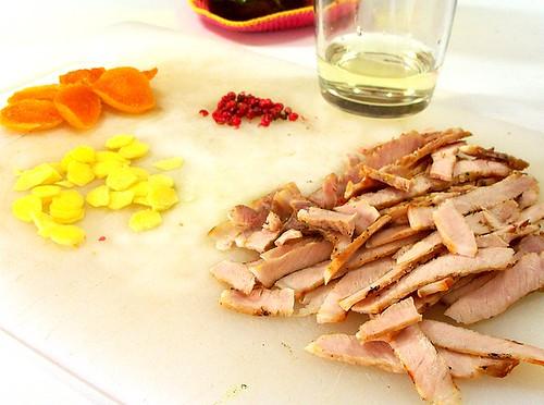 Pasta di recupero: maiale, zenzero, pepe rosa ed albicocche
