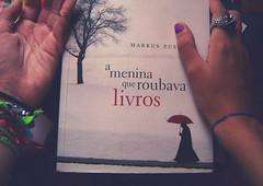 103: The Book Thief (lul ▲) Tags: me book hand eu livro thebookthief 365challenge ameninaqueroubavalivros mão