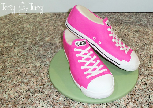 converse shoe fondant cake carved